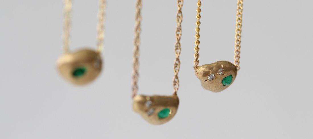 Transformación de joyas de MIGAYO: tres colgantes que son una ventanta a su pasado, presente y futuro