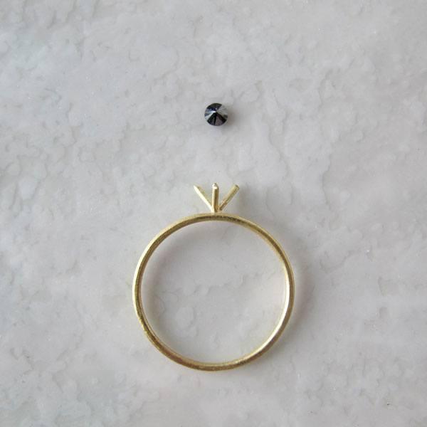 Anillo de pedida con diamante negro - Migayo