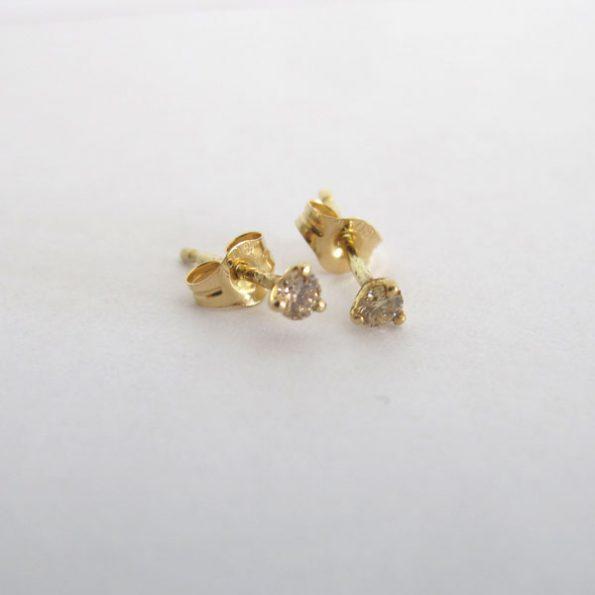 Pendiente de oro con diamante champagne